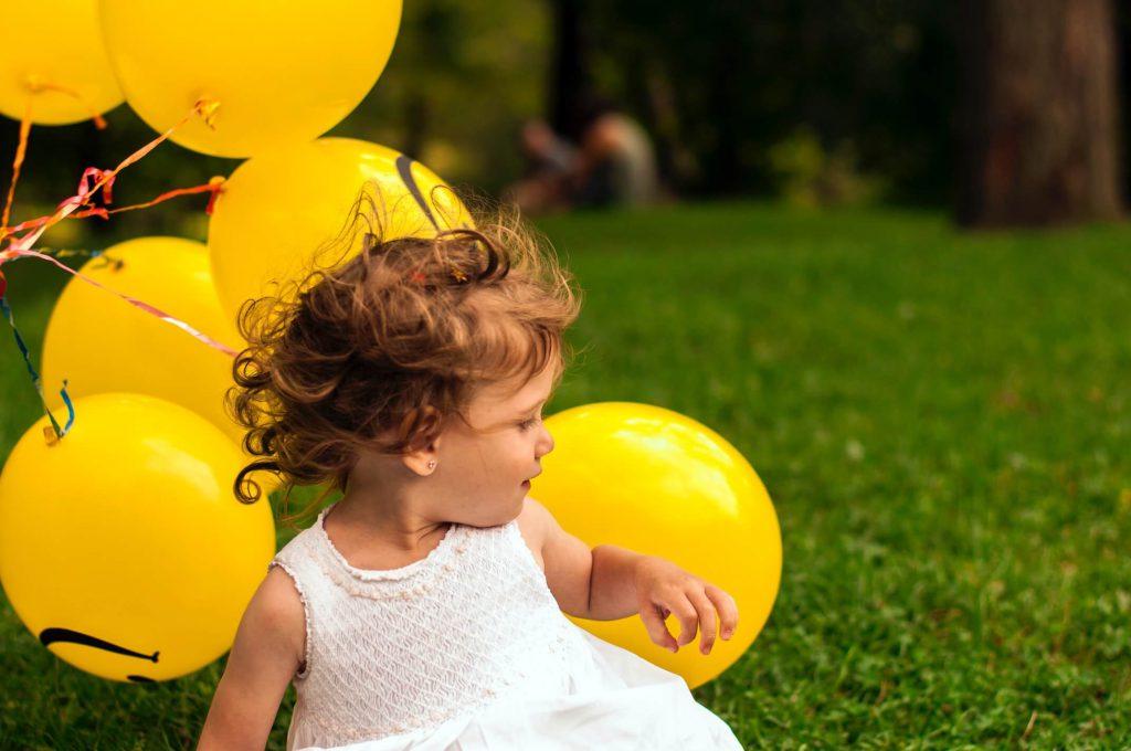 urodzinowe zabawy dla dzieci - taniec z balonami